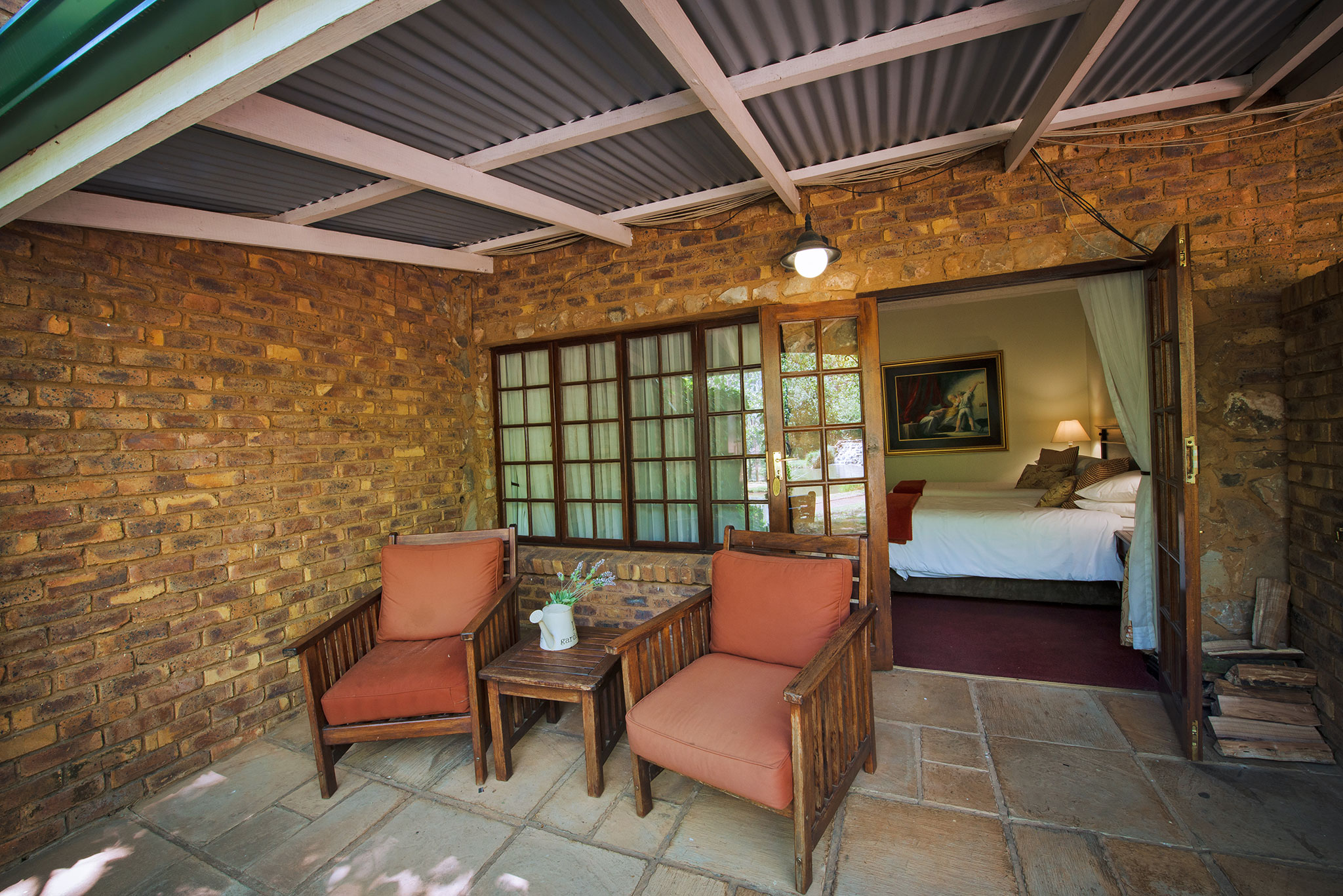 Country Lodge Suites: Enjoy some leisure time overlooking the beautiful resort scenery