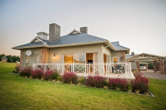 Ideal Equestrian Estate vacation time