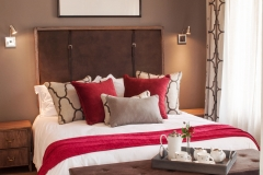 Comfortable main bedroom of Family Superior and Family Luxury Villas