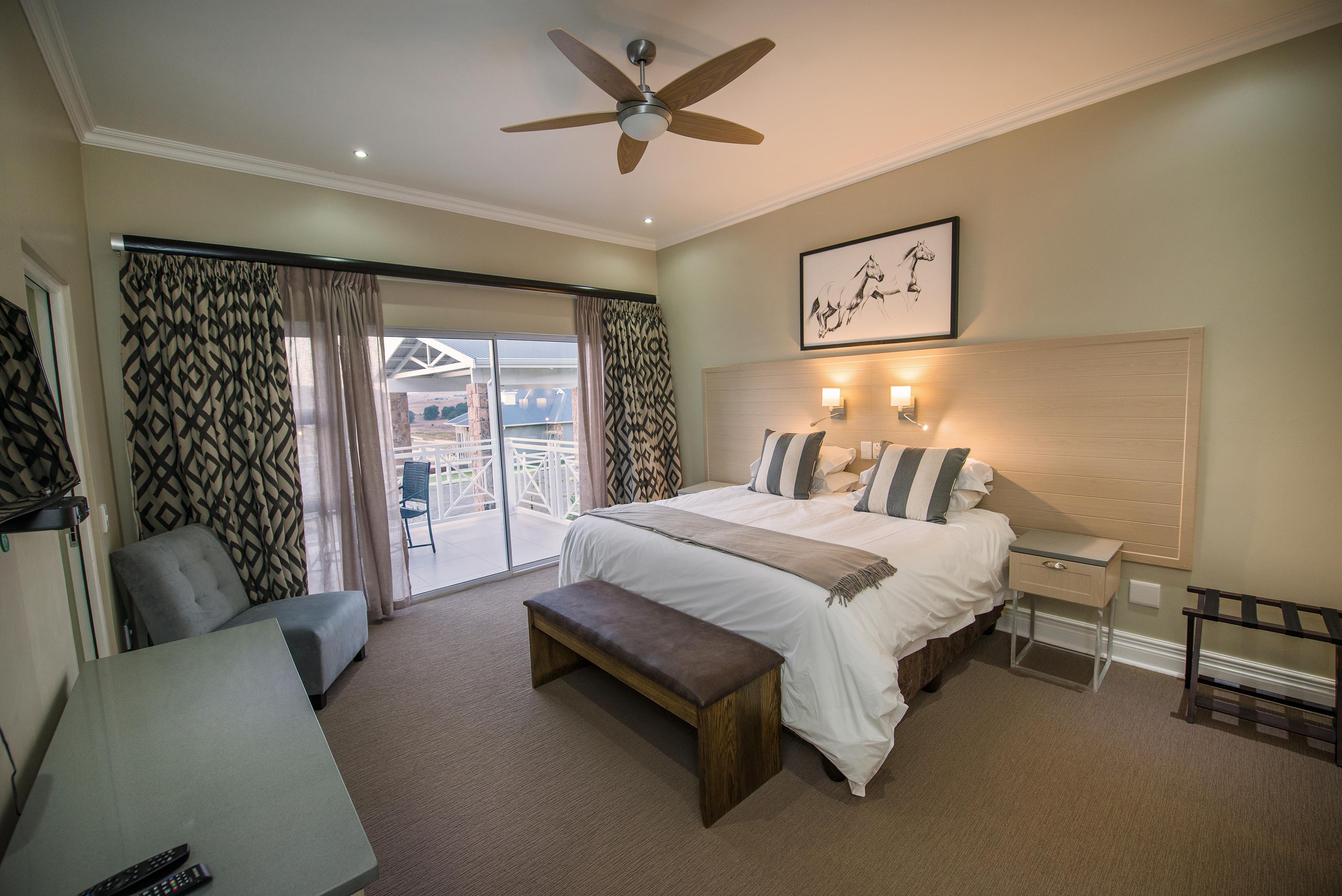 Luxury Lodge Unit bedroom