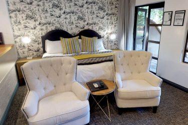 Dunkeld-Deluxe-Hotel-Room_03